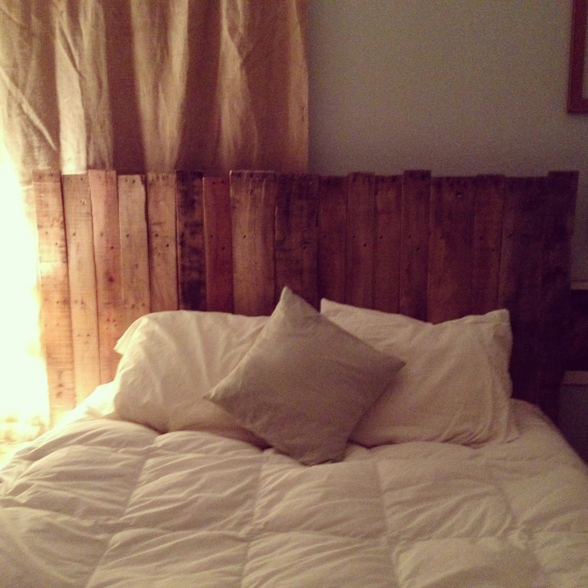 washes country of special sale lazy rocky pebble pin for beach queen order pallet mountain linen with and headboard chic